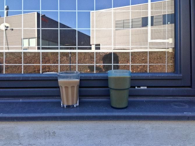 Kaffeskud - side om side med KKA.