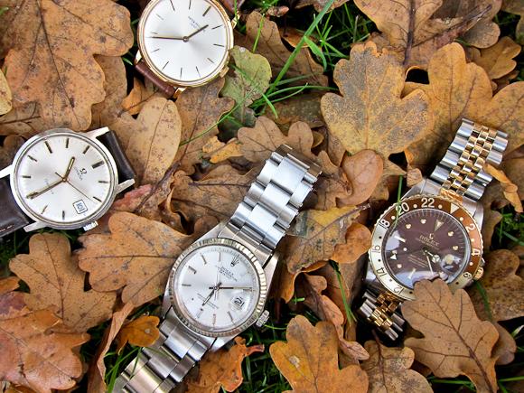 Et ønskeligt løvfald, der kunne passe til årstiden. Tak for lån af ure til de rette ejermænd.