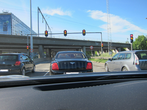 Vi satte i gang - bag en familie Bentley.