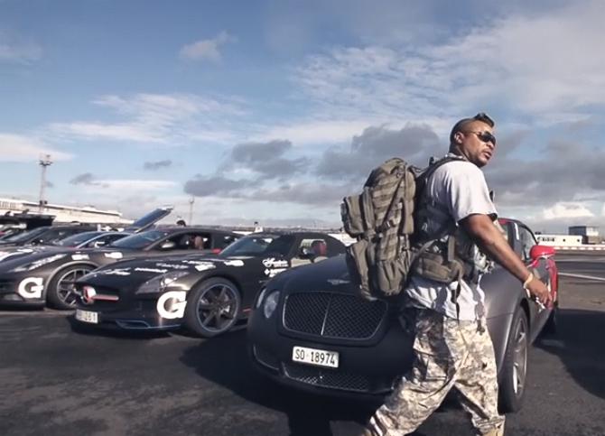 Xzibit på vej til sin Bentley Continental GT