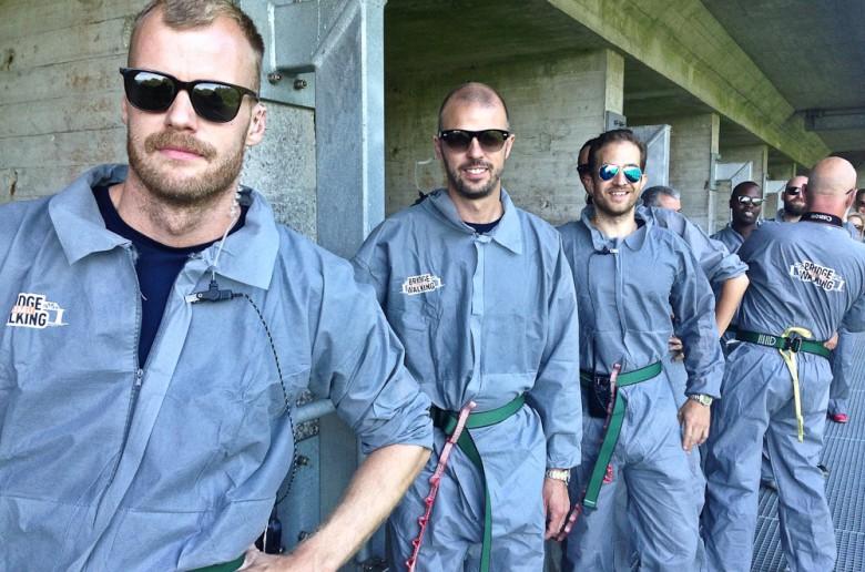 Inmates på broen...