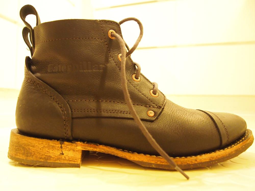 Boot'en er faktisk kulsort, men lidt svære lysforhold drillede lidt.