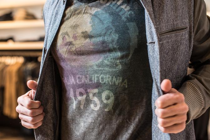 T-shirt med let kulørt islæt