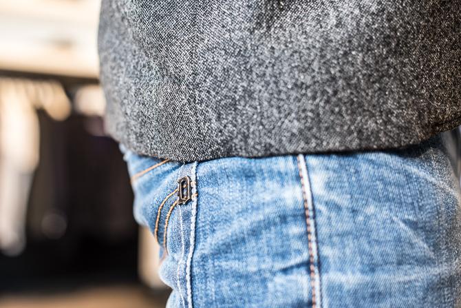 Dondup jeans med diskret D-logo.