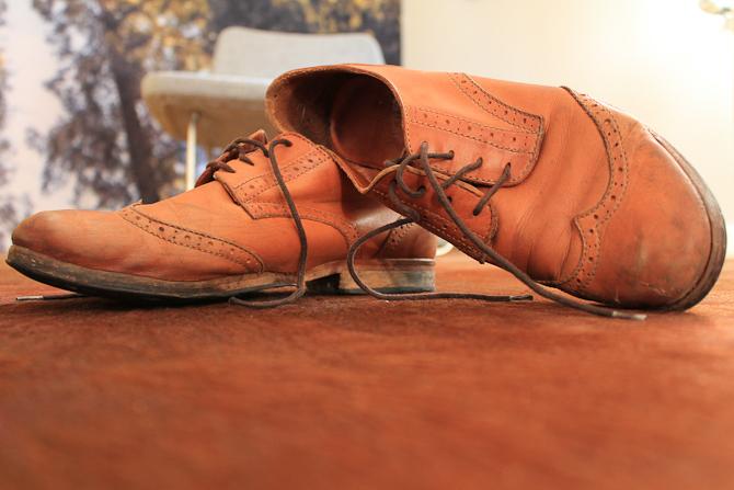 Esbens alt andet end letbrugte sko...