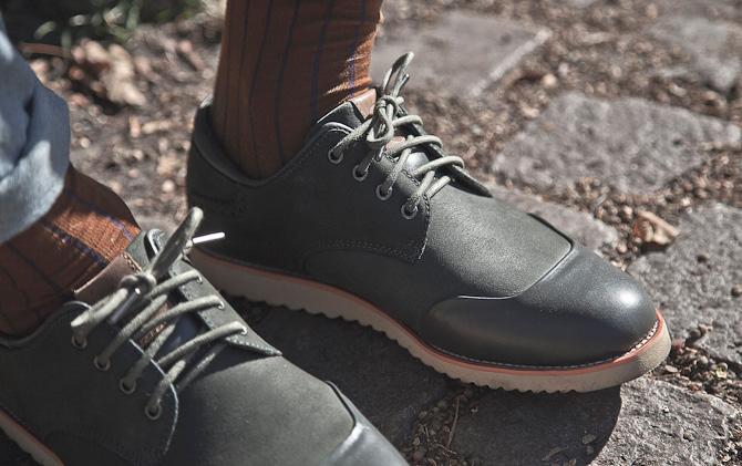 Close-up af  Olivengrøn sko: Siné ( Olive Green)