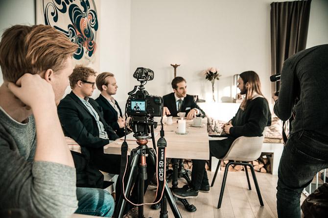 Der samtales og optages. I dag får du det endelige resultat i form af videoen... Foto: Jacob Jorp Hansen