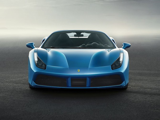 Der er den - den nye Ferrari 488 Spider