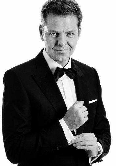 Initiativtager til og chefredaktør på landets største luksusmagasin Luxury Aficionados, Christian Friis Johansen.