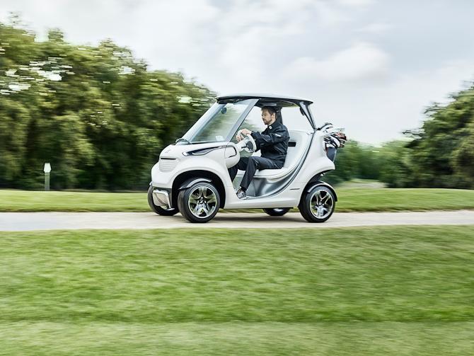 Du skal i øvrigt vide, at bilen er elektrisk, og at der som start vil blive produceret to eksemplarer. Responsen herpå fra forbrugerne vil tegne det videre forløb