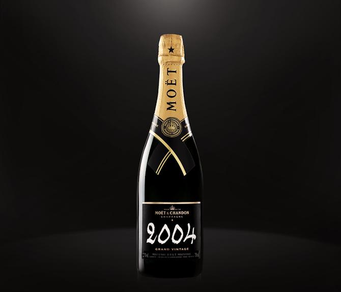Moët fås også i helt store flasker og uden årgang. Det kan føre festligheder med sig, men det er en anden historie...