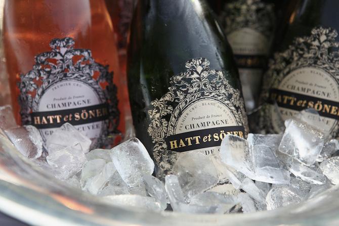 Hvornår er det tid til kold champagne? Der er altid tid til kold champagne.