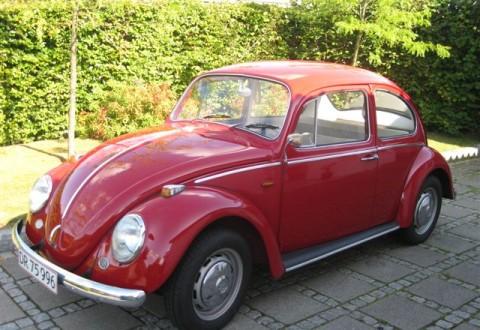 Køreglæde a la VW 1300 - solgt i millionvis. Og mindst lige så mange historier at fortælle. I dag fortæller en læser et og andet om ikonet.