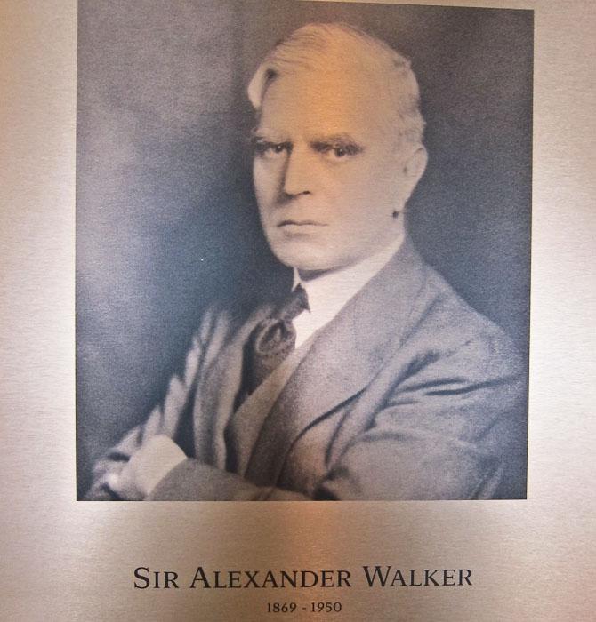 Alexander den 2. - destilleri-opkøberen