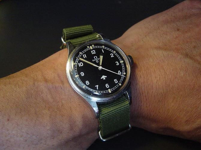 Jon med army Omega: Uret er en nummeret Omega ref. 2777-1 leveret til MOD - Royal Air Force - kun issuet i et år nemlig 1953!