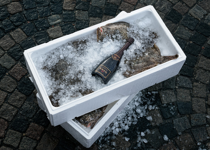 Alt godt fra havet. Og champagne.