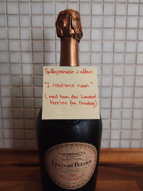 """Gallapremiere i aften: """"I rose'ens navn"""" (med ham der Laurent Perrier fra Frankrig)"""