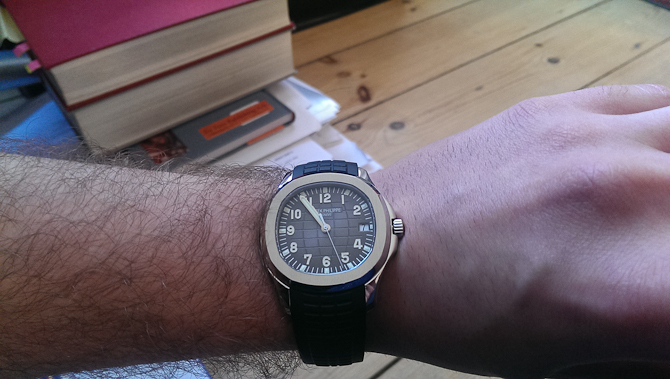 Mark Sinclair med en Patek Philippe Aquanaut
