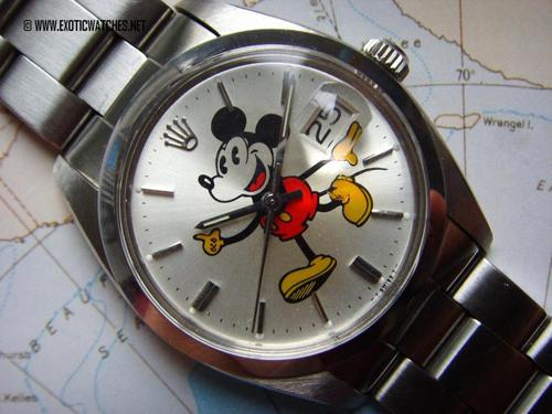 Et vintage Rolex med Mickey Mouse dial - preppy og dandy på sin egen måde. Skiverne diskuteres ofte, og der er vist tale om såkaldte after market dials. Ved du mere? Så sig til.