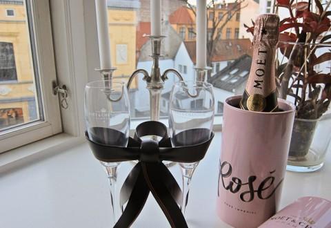 Feminint, boblende og til herlige lejligheder. Eller bare en grå mandag. Og mænd må gerne drikke med.