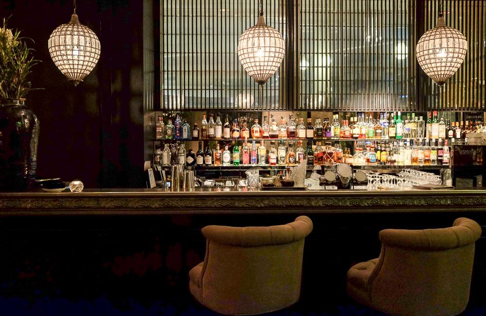 Du kan faktisk begynde din oplevelse i baren, som ligger straks forinden Nimb Brasserie. Vi gjorde det ikke, men du skal ikke snydes for et flot foto, som jeg tog.