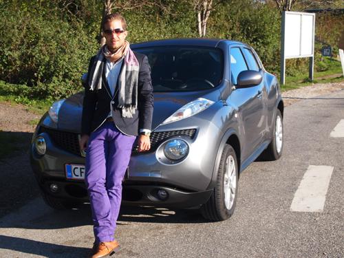 Nissan JUKE og jeg - på den jyske motorvej. Havde vognen heddet DUKE, ville den være hertug af motorvejen, men hvad pokker...