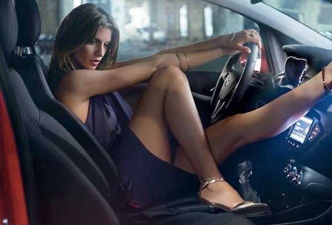 Det er lidt at blive distraheret i trafikken, men det er der råd for.