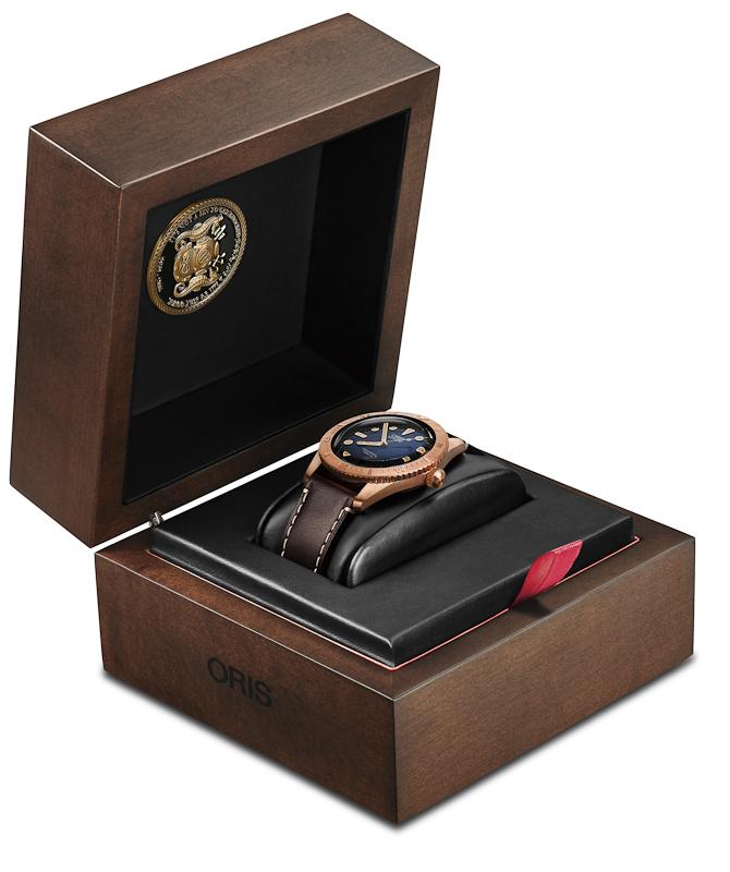 Og således ser uret ud i sin helhed med boks og før ibrugtagning