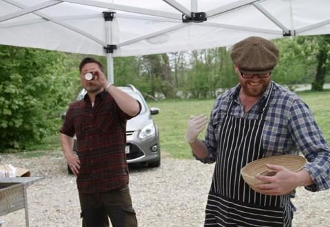 Paul Cunningham og en mand, der drikker kaffe. Han hedder i øvrigt Timm Vladimir.