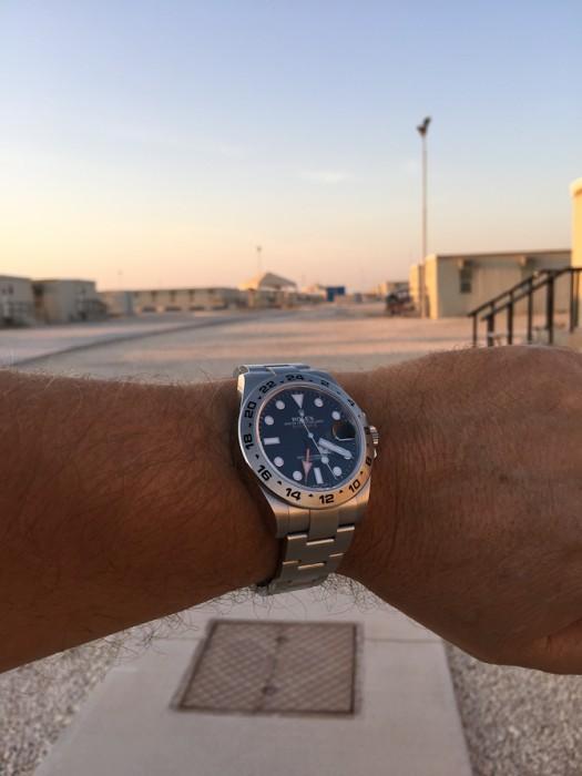Peter Beck Rasmussen Rolex Explorer II billede taget et sted i Qatar