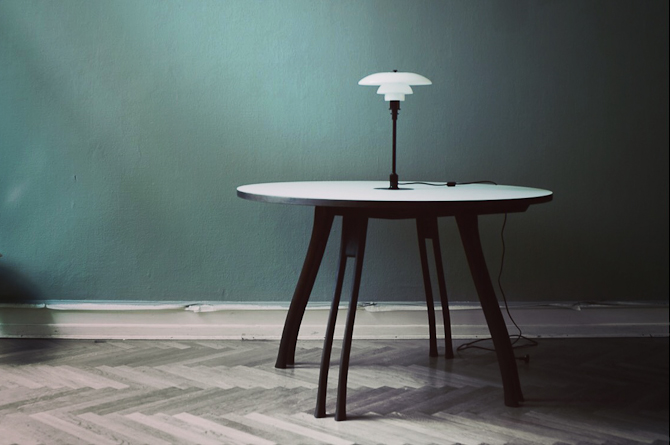 Poul Henningsen furniture intro-1