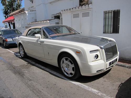 Imponerende Rolls Royce.