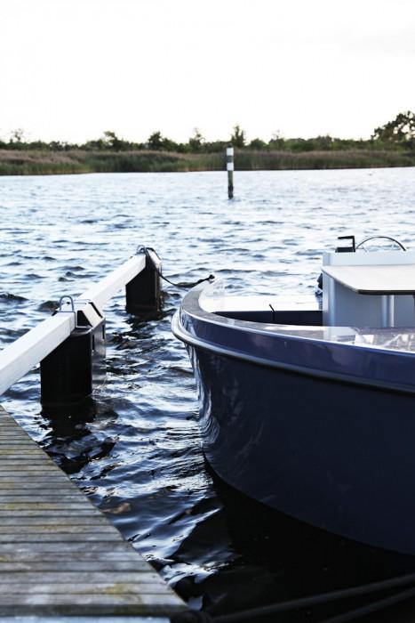 Jeg vil æde min gamle fiskerhat på, at der nemt kan fiskes fra sådan en skude her.