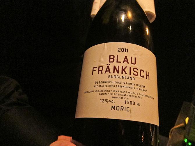 Aftenens vin - serveret ved kølige grader. Det var passende.