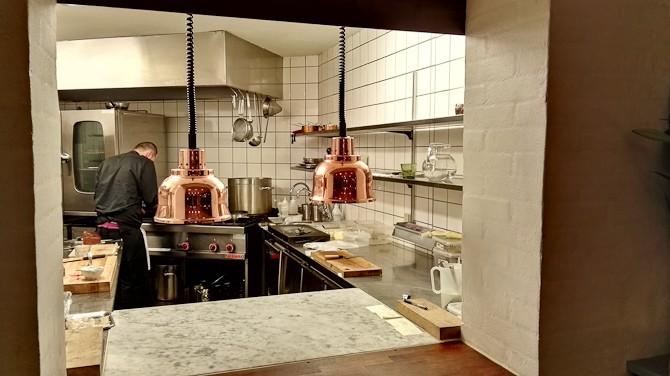 Knokleri i køkkenet