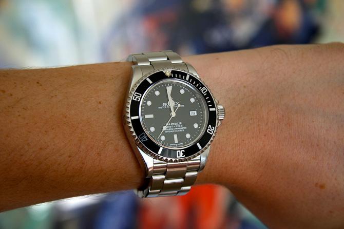 Rolex SeaDweller har også været på tapetet. Og håndledet.