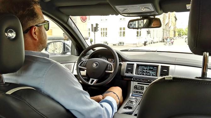 Pick-up service med hjælp fra Jaguar