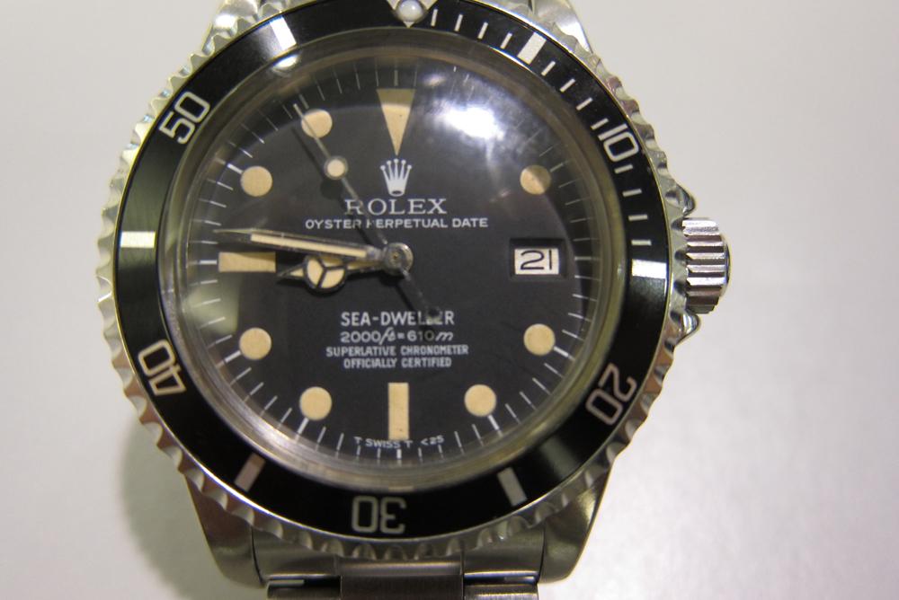 Patineret og med 32 år på bagen - Rolex Sea-Dweller ref. 1665 med rail dial.