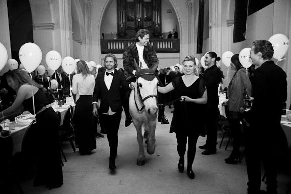 Romantik skal der til, og således blev Simon'erne gift. Og skilt kort tid efter. Det er jo 2012. Foto: Andreas M. Hansen