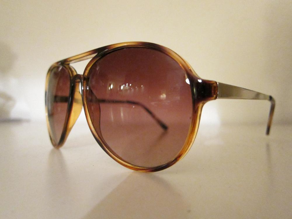Musse begavede mig med en solbrille til den kommende ferie. Old school og top fed stil.