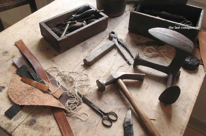 Det handler om håndværk - og hvordan håndværk bliver til lækre (nye) sko.