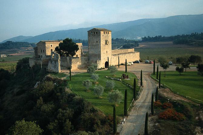 Vinen, du kan vinde, er spansk, stammer fra Torres og omgivelserne ser således ud...