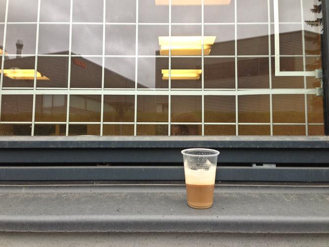 Som vanligt: Kaffe i karmen