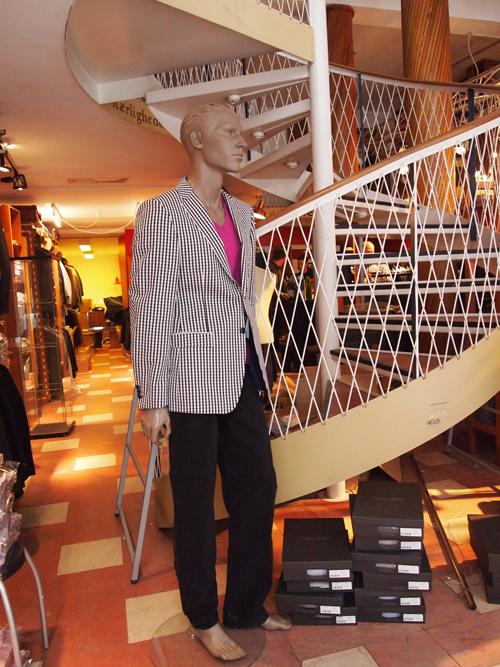Synes du, Van Gils er støvet, skal du lige lure på ham her - hele outfitet er fra Van Gils.