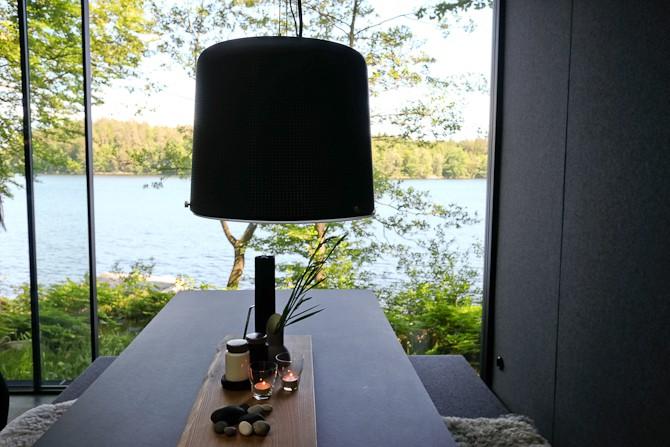Lampe og udsigt - førstnævnte er også en inhouse kreation