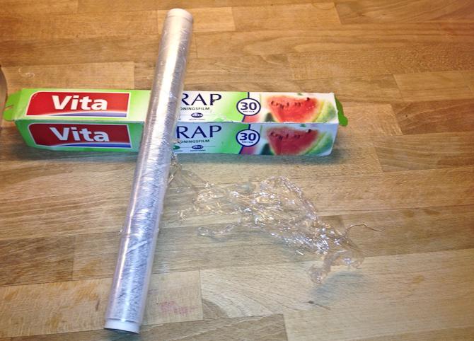 har stadig sikkert tre meter fucking ikke virkende Vita Wrap ! Sidste gang jeg køber lortet! Have a Nice and enjoyable weekend , uden vita Wrap! Assholes !!!!!