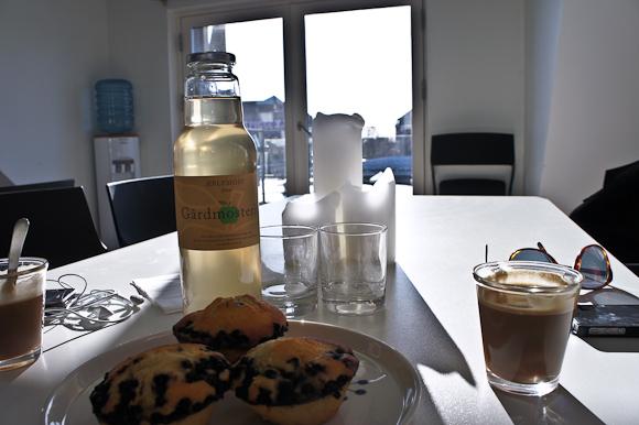 Vi lagde planer over en omgang æblejuice og muffins.