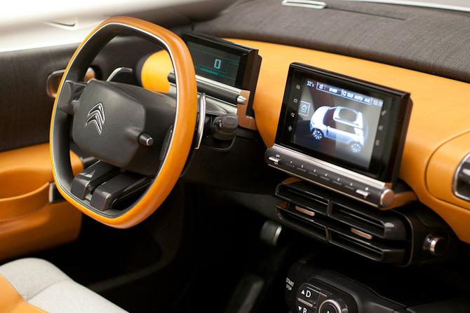 Touch screen og læder på rattet