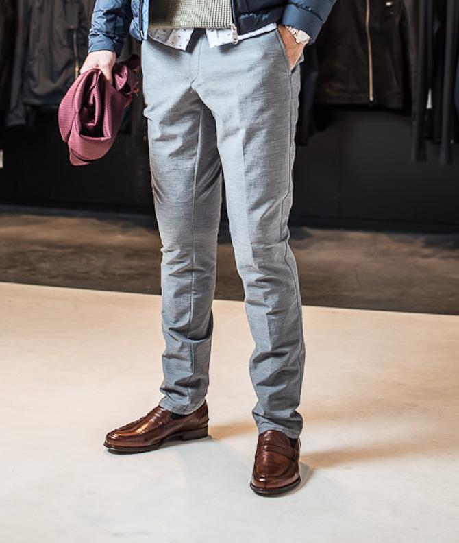 Træt af jeans og chinos, så prøv sådan et par grå frækkerter her