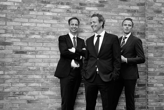 Chefredaktør Steen Rosenbak (til venstre), digital erhvervsredaktør Nicolai Raastrup (i midten) og erhvervsredaktør Morten Bundgaard  Foto: Hordur Ingason / JP/Politikens Hus